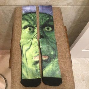 Street Wear Official Grinch Socks, LARGE NWOT